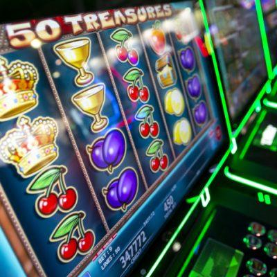 Mit welcher Strategie kann man an Slot Automaten im Casino gewinnen? Hier unsere Tipps.