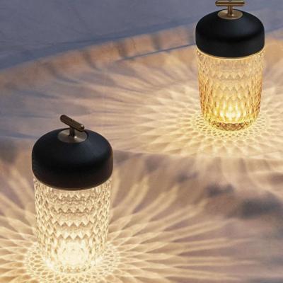 ELLE.de Gewinnspiel: Cristallerie Saint Louis Leuchte zu gewinnen